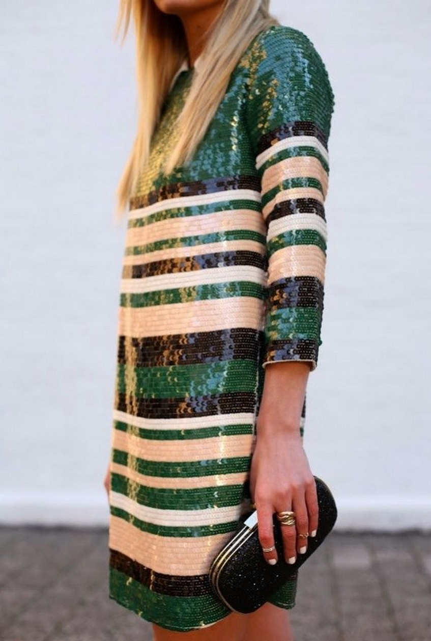10. Sparkling | 10 Types of Dresses for Christmas Day | Image Source: http://theglitterguide.com