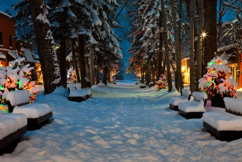 9 aspen colorado best christmas destinations in the world top 10 - Best Christmas Getaways
