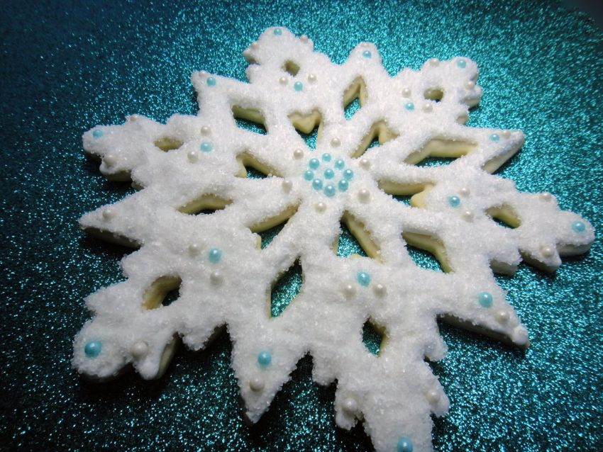 #9 Christmas Snowflake Cookies | Christmas Cookie Ideas | Top 10 [ Image Source: worthpinning.com]