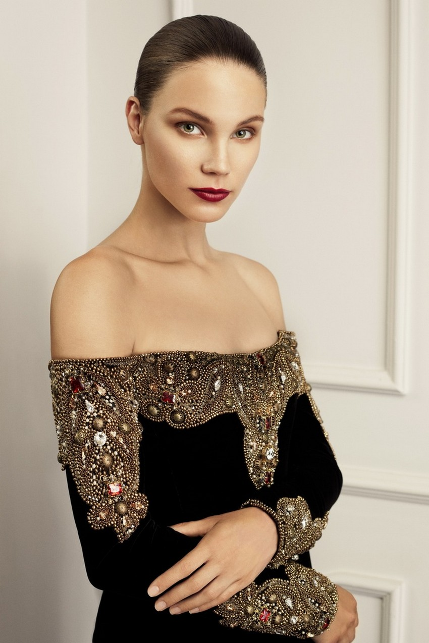 10. Embellished velvet dress | How to Sparkle and Shine this Holiday Season | Image Source: http://flip-zone.com