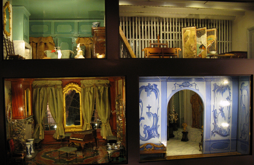 Most Expensive Dollhouses in the World N10. Sara Rothe Dollhouse – $12,000