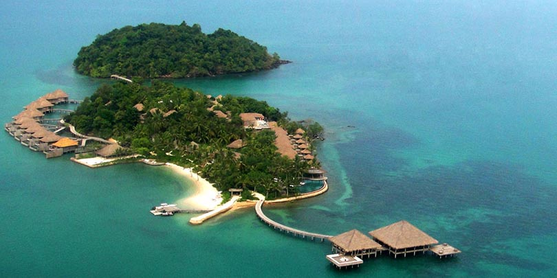 Your own private luxurious island 49 Reasons Why It Is Better To Be Rich Than Poor