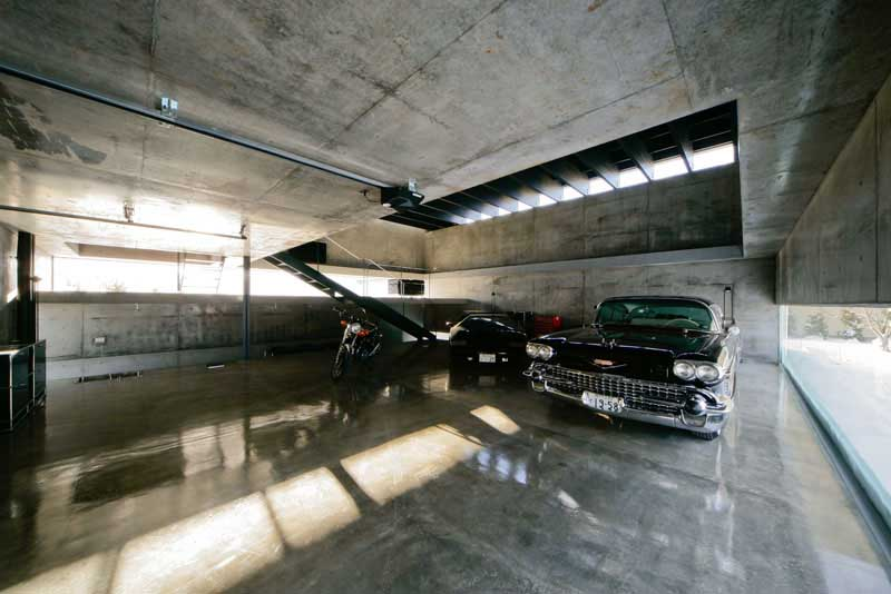 These 20 Luxurious Garages are Perfect for a Supercar