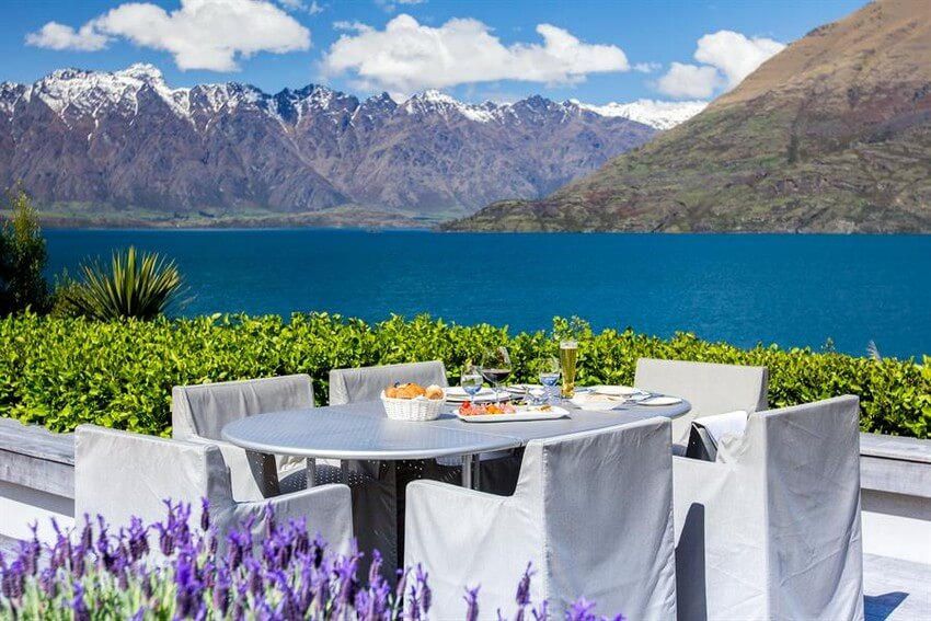 Spend Your New Zealand Vacation in this Unbelievably Stunning Hotel | Eating on the Patio