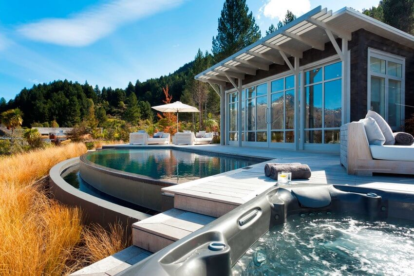 Spend Your New Zealand Vacation in this Unbelievably Stunning Hotel | Pool and Jacuzzi