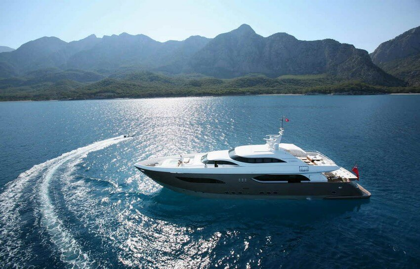 9.Luxury Yachting Experiences | Thrilling Luxury Travel Trends for 2016