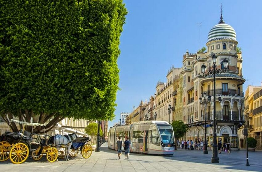 10 Beautiful Places You Have to Visit this Spring | Sevilla, Spain