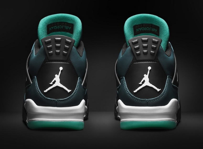 Air Jordan 4 Retro Remastered Teal Is Out On March 14 | Image Source: www.sneakers.fr