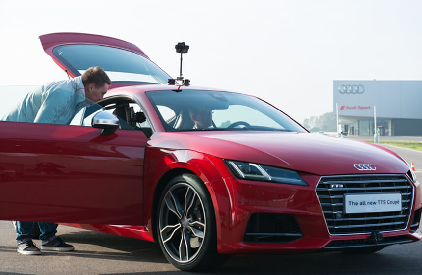 Audi's Virtual Reality Headsets Will let You Build Your Dream Car
