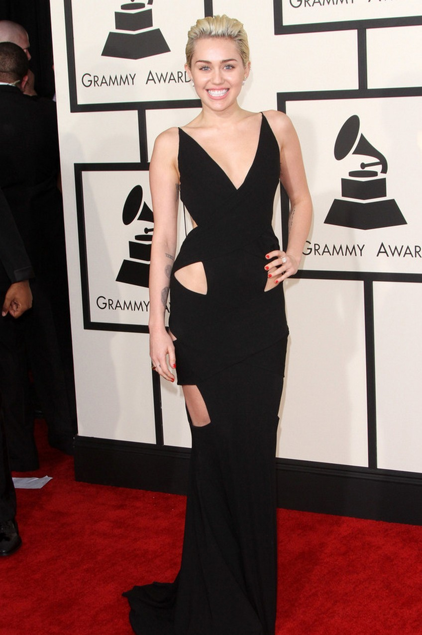 Miley Cyrus | Beauty Trend Alert: Nude Makeup at the 2015 Grammys | Image Source: http://i4.cdnds.net/
