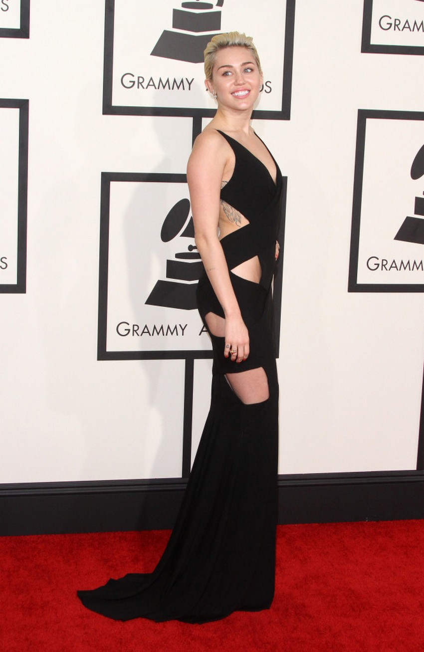 9. Miley Cyrus | Best Dressed Celebrities at the 2015 Grammys | Image Source: http://oceanup.com/