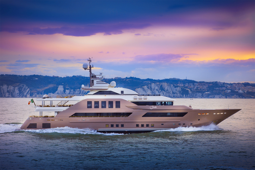 Check Out This Custom Luxury Motor Yacht With a Flooded Garage