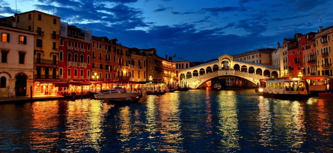 The Ultimate Valentine's Day Trip to Venice