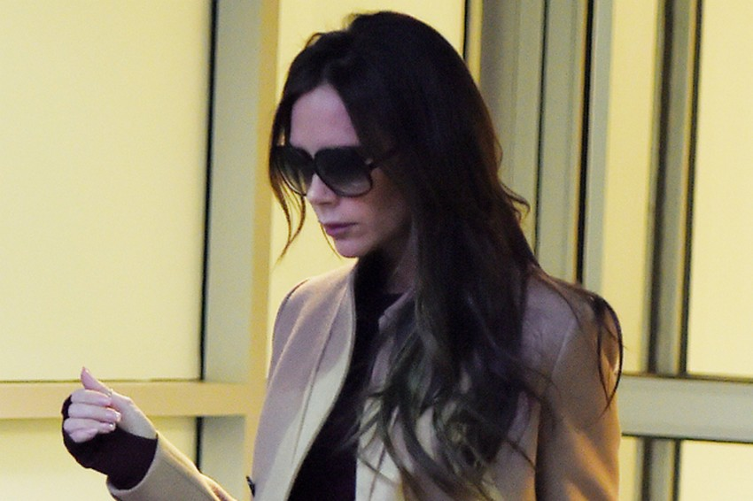 Get Victoria Beckham's Airport Look for $3,000   Image Source: www.mydaily.co.uk