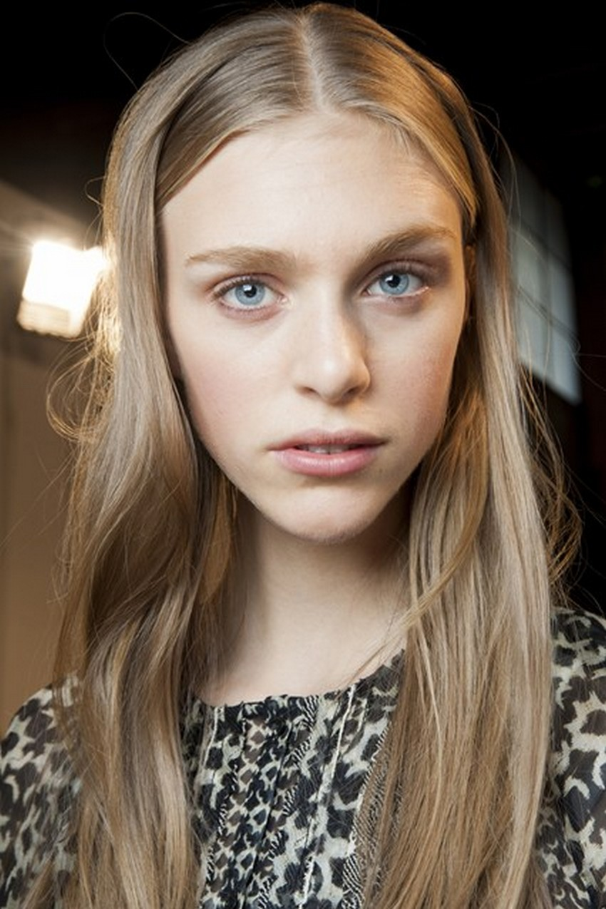 16. Centre Partings | Hottest Hair Trends for Spring 2016 | Image Source: http://www.glamourmagazine.co.uk/