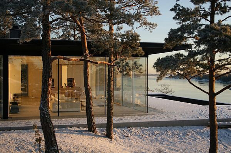 Inside James Bond's Swedish Lake Villa - EALUXE | via Photographer Åke E:son Lindman