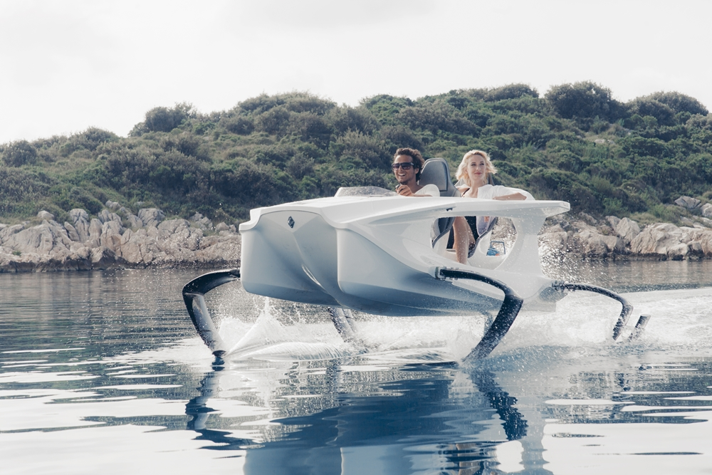 Check Out This Awesome All-Electric Hydrofoil Boat!
