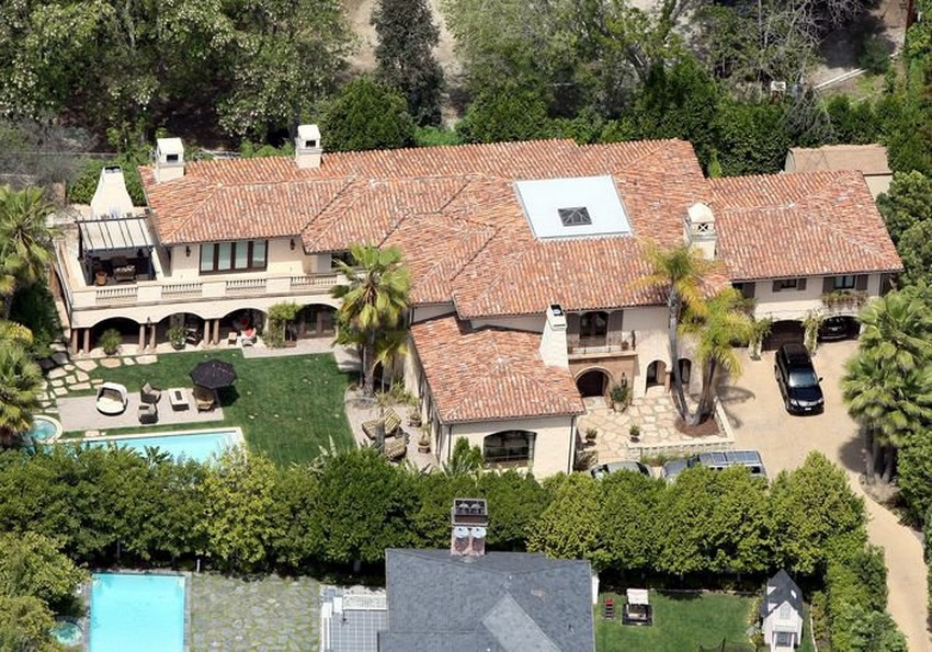 Miley Cyrus Family Home In La Is Selling For 5 9 Million