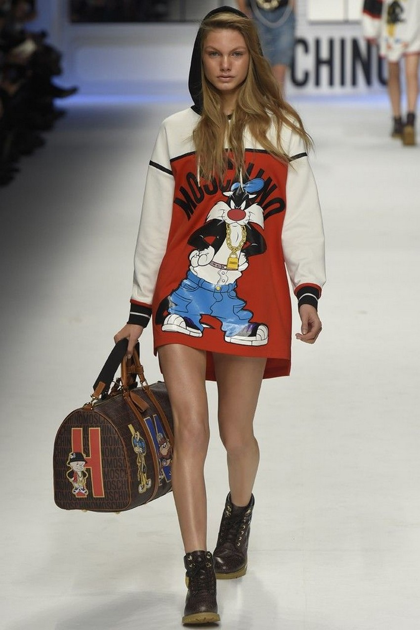 Moschino Looney Tunes Inspired Line Brings Back the 90s | Image Source: uk.pinterest.com