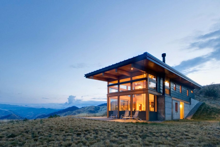 Beautiful Modern Getaway Home in the Middle of Nowhere