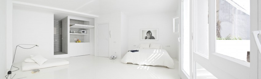 Step Inside This Minimalist All White Seaside Studio Apartment