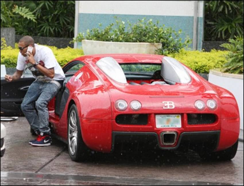 6 Famous Bad Boys who Own a Bugatti Veyron | Chris Brown's Bugatti Veyron