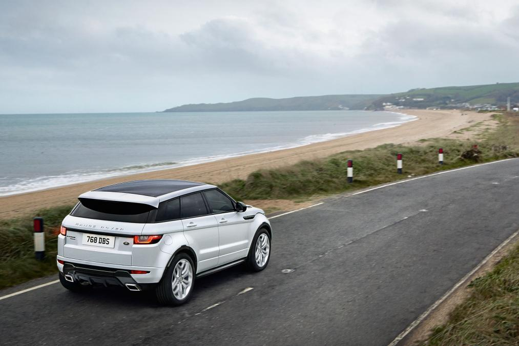 Range Rover Evoque Gets an Even More Sexy Facelift