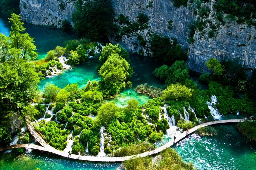 You Have to Visit These Marvelous Places to Believe They Actually Exist | Plitvice Lakes National Park, Croatia