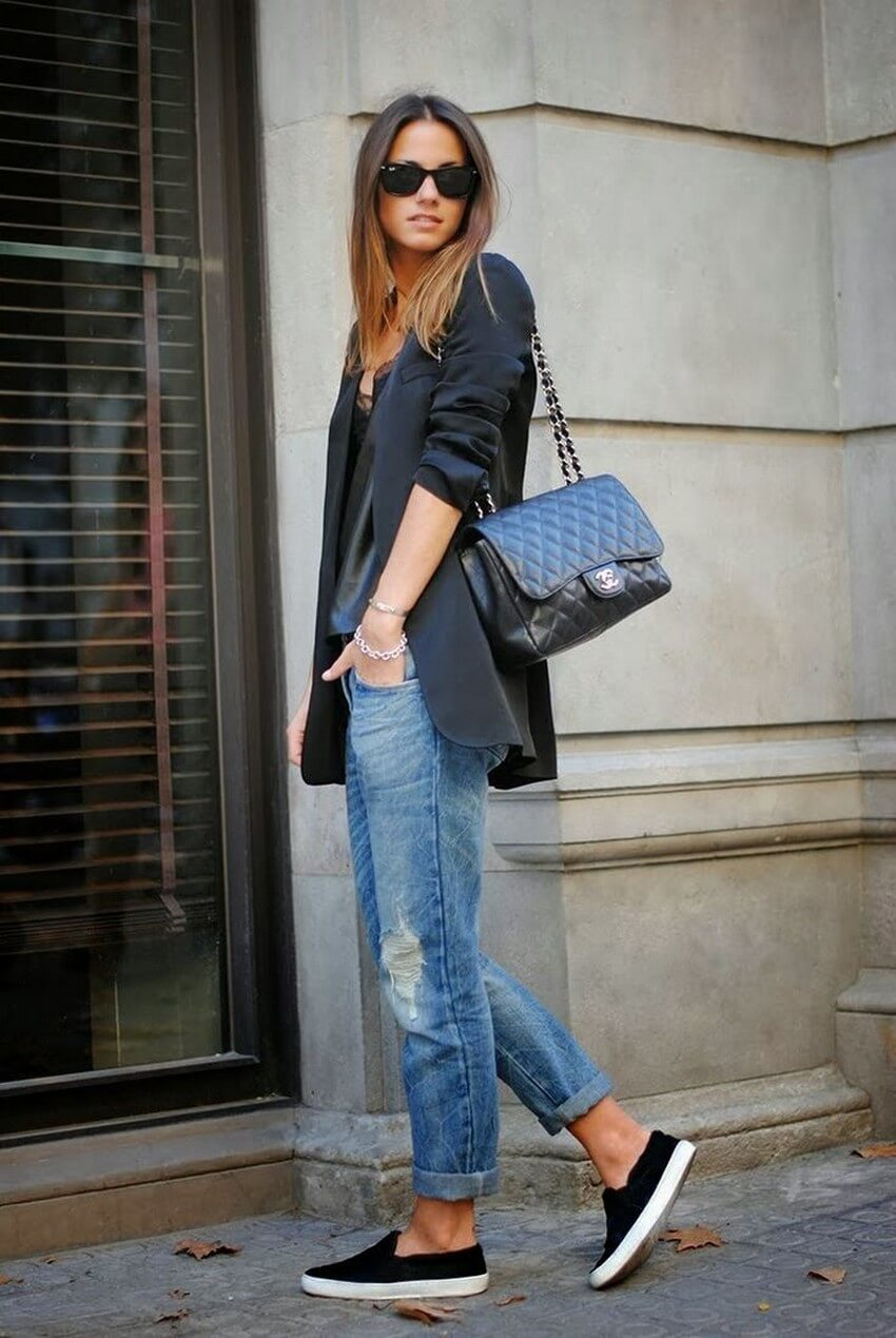 10 Must-Have Clothing Items Every Woman Should Own | A Good Pair of Jeans