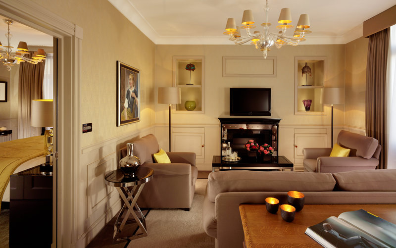 Elegant Hotel in the Uk: St James's Hotel and Club