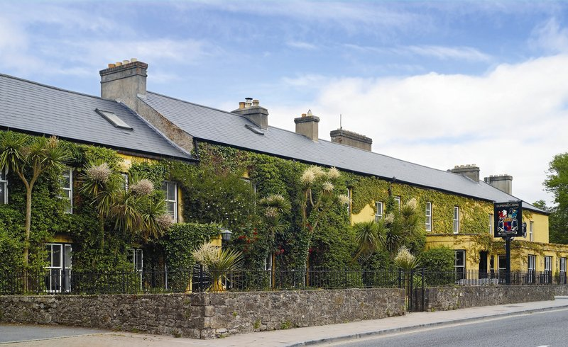 Elegant 18th-Century Coach House in Ireland: Dunraven Arms Hotel