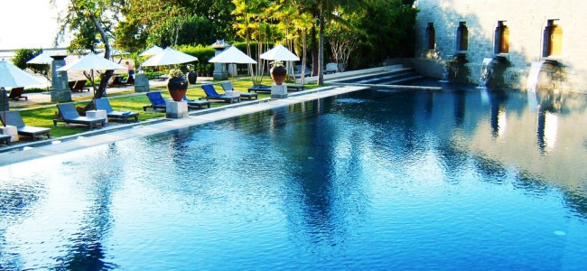 Luxurious Resort in Thailand: Nakamanda Resort & Spa