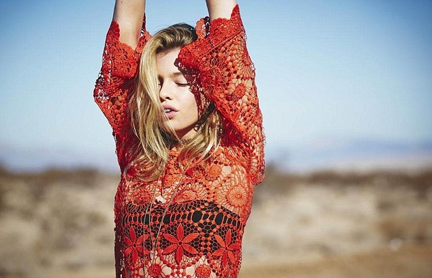 H&M Loves Coachella Is the First Cobranded Collection! | Image Source: www.dailymail.co.uk