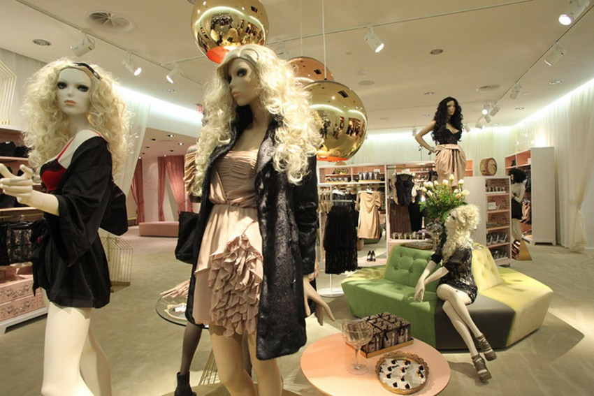 H&M To Open 400 Stores in 2015 After Last Year's Profit | Image Source: etaildesignblog.net