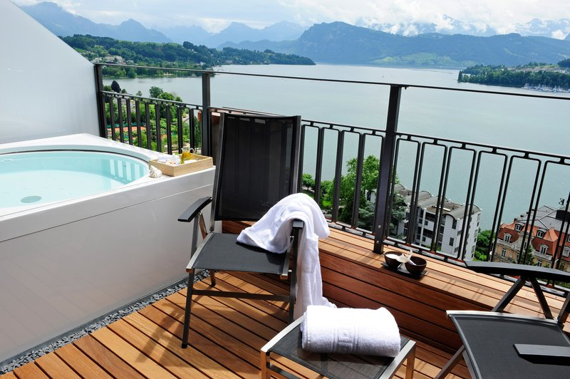 Stunning Retreat in Switzerland: Art Deco Hotel Montana