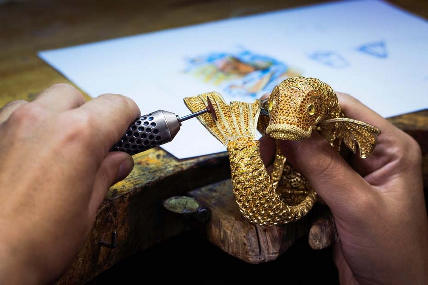 The Carpe Koi Watch Took Over 3,000 Hours to Create! | Image Source: luxatic.com