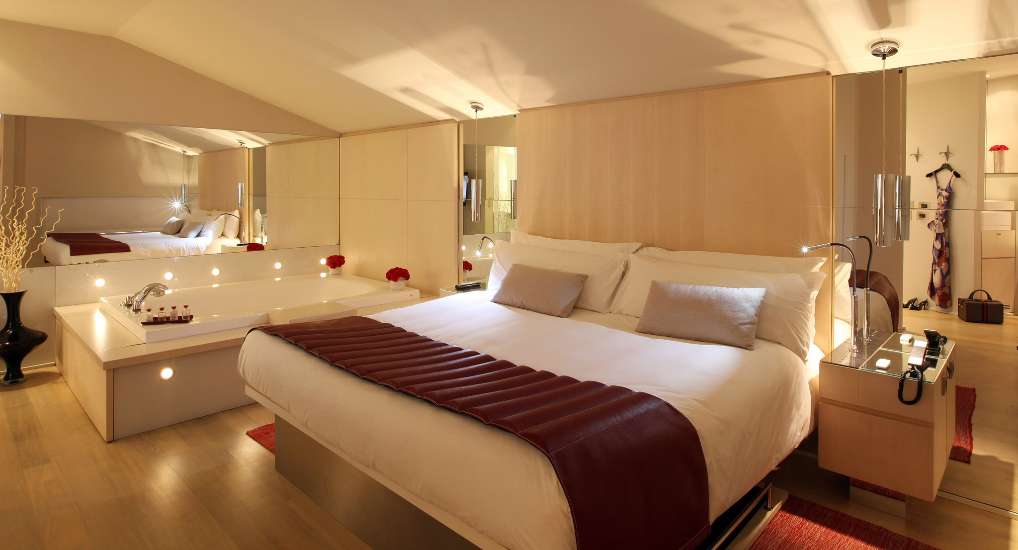 Modern and stylish hotel in spain hotel cram Habitacion hotel barcelona