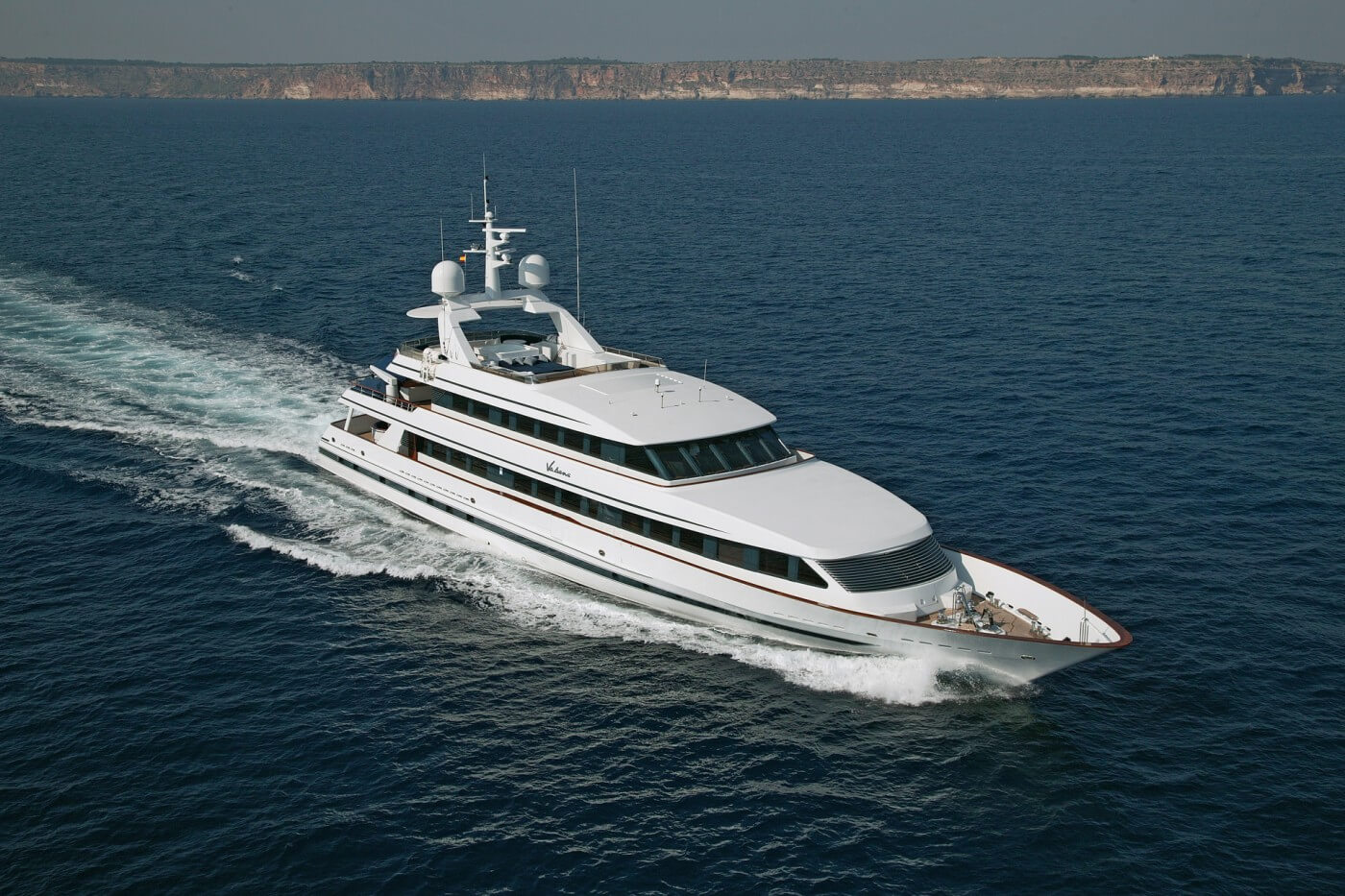 10 Nicest Celebrity Yachts and The Owners - EALUXE.COM