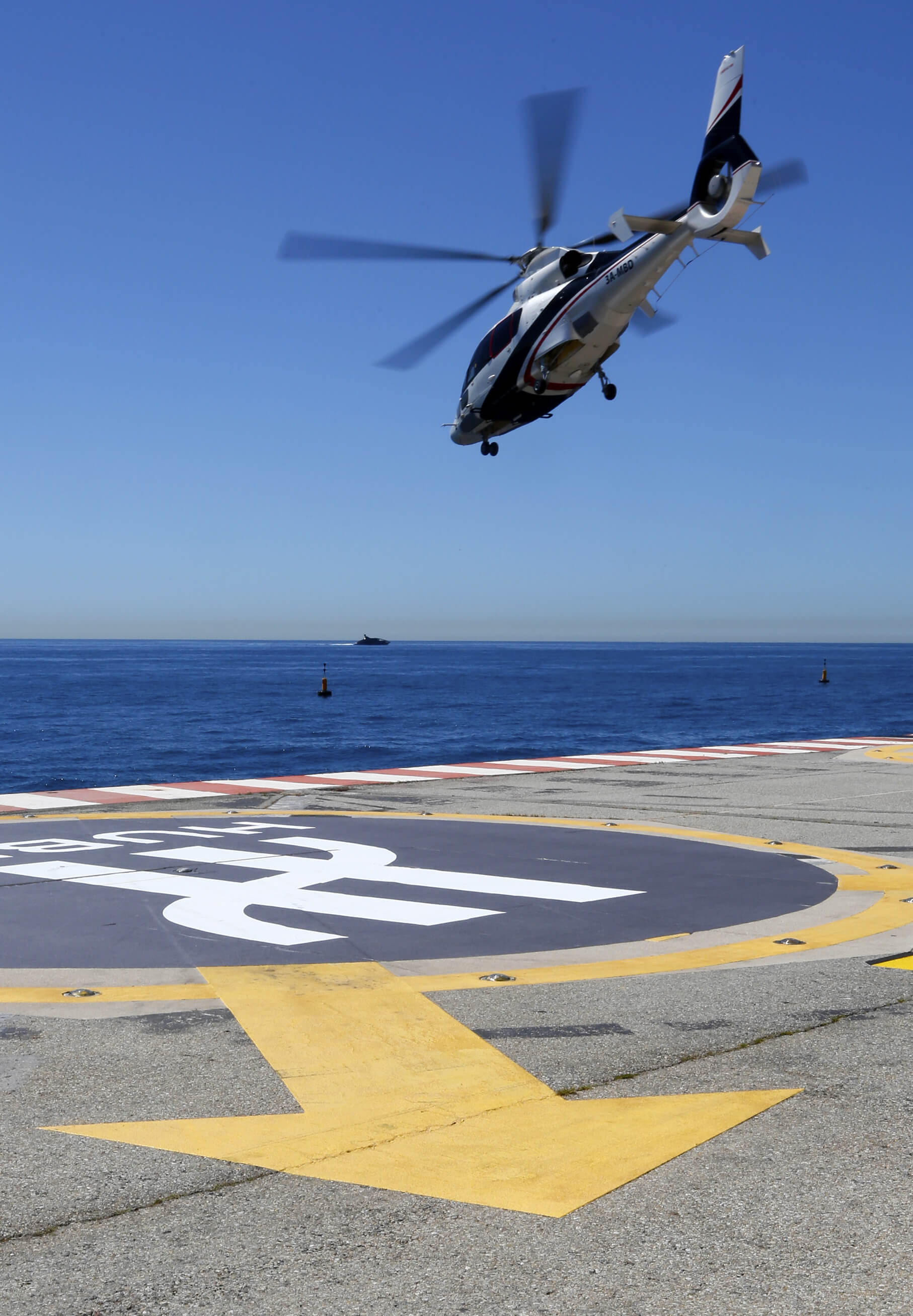 #10 Helicopter Transfer From Nice | Luxury Things To Do In Monaco | Image Source: luxurylaunches.com