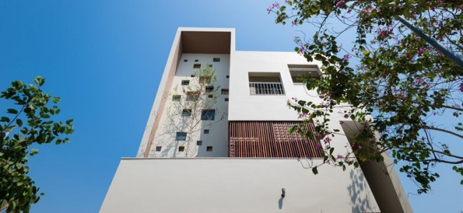 A Luxurious and Modern Concept From 2H House For a Young Family in Vietnam