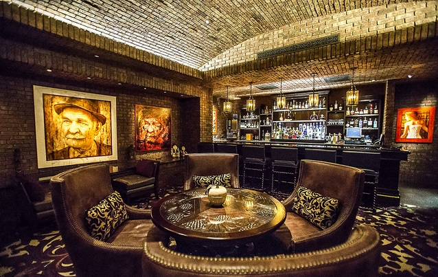 Welcome to Vintage Cave, the most luxurious restaurant in Honolulu; Vintage cave bar