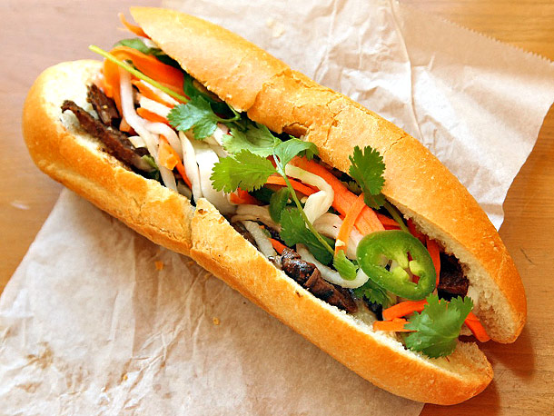 THESE ARE THE THREE MOST SIMPLE SANDWICHES THAT RICH PEOPLE DIE FOR| 2. Traditional BAHN MI sandwich from Vietnam