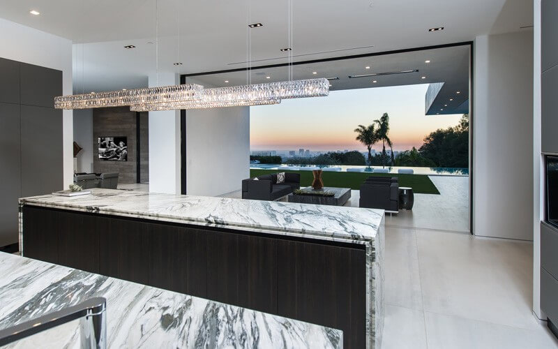 Beverly Hills Contemporary Home - EALUXE.COM