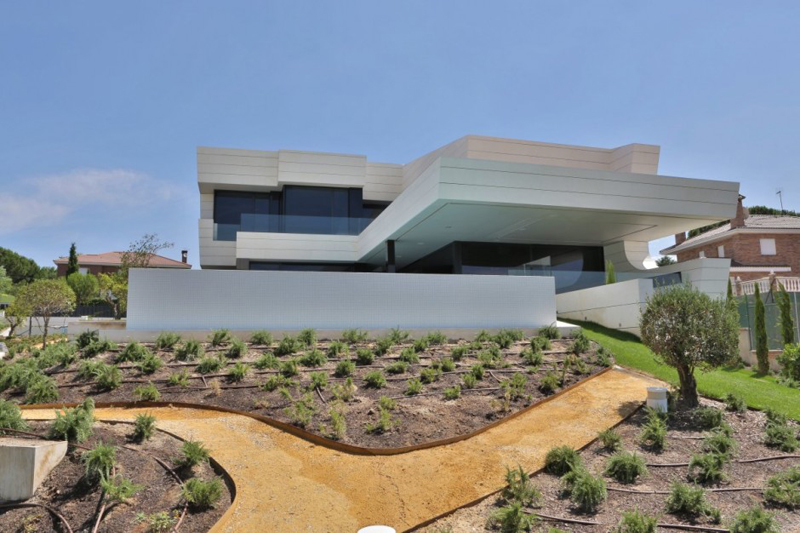 Family Residence Futuristic Luxury Project - EALUXE 1