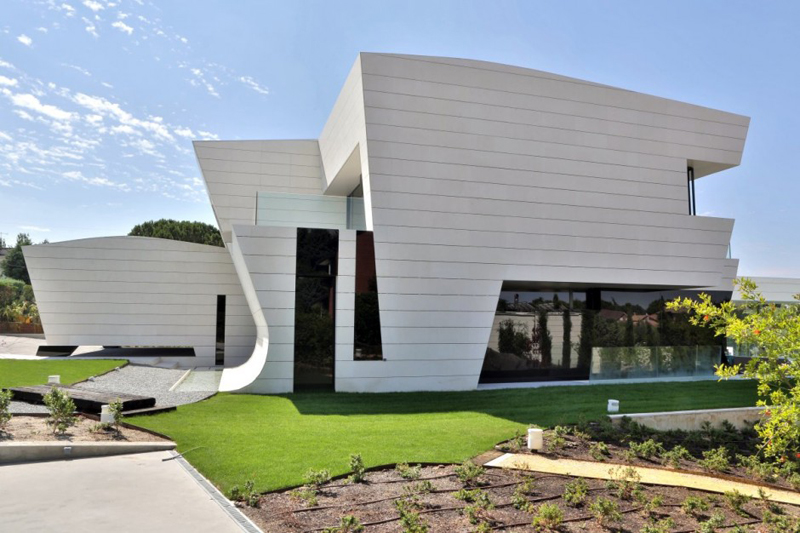 Family Residence Futuristic Luxury Project - EALUXE 2