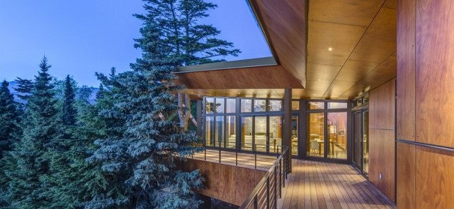 The Golden View Residence From Anchorage Is A Luxurious Getaway In Alaska