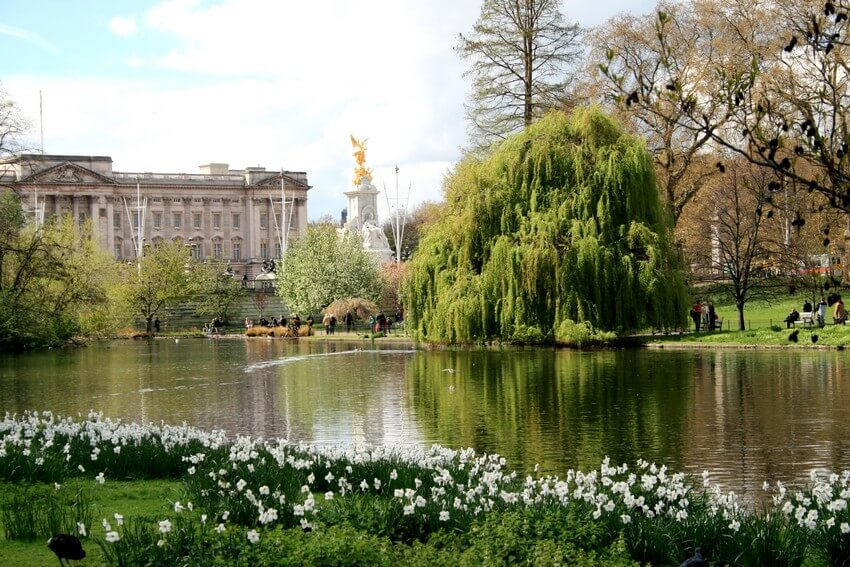 These 5 Magical Places Are London's Hidden Treasures for True Travelers | St. James's Park