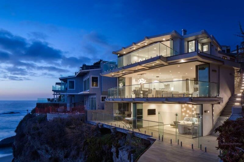 Luxurious Clifftop Home From Laguna Beach 1