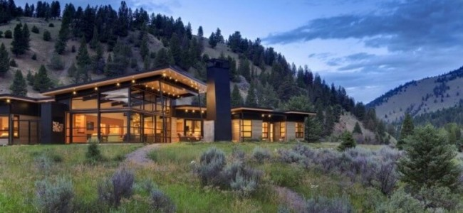 The River Bank House From Montana Is A Modern Luxury Getaway Perfect For Your Vacations