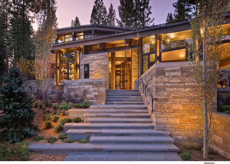 Valhalla Residence Is A Luxurious Modern Retreat 10